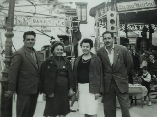 hermanos  Miguel y Enrique Bañuls con suss señoras