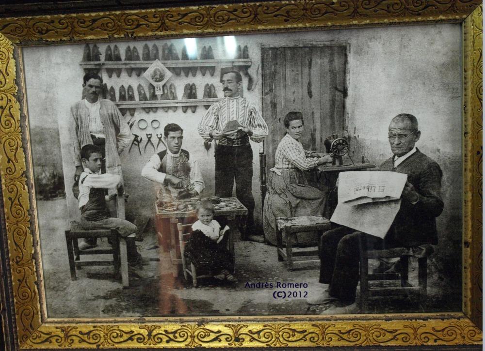 Un siglo de la primera fábrica de zapatos. VALVERDE,  1912 - 2012 (1/3)