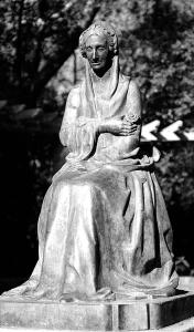 Monumento de doña Luisa de Orleans en el Parque de Maria Luisa