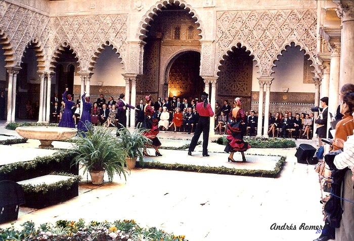 PATIO DE LAS DONCELLAS.Primera visita Reina de Inglaterra 20-10-1988