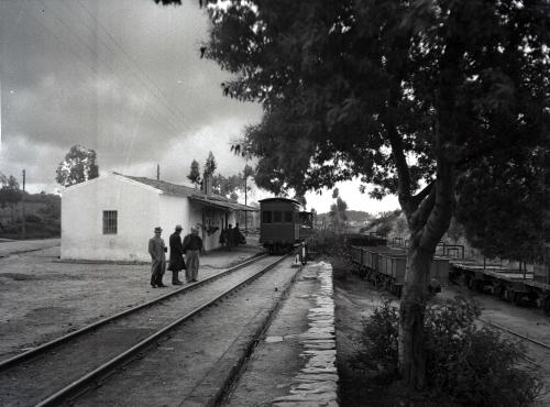 DON JOSE BOZA- ANTONIO LOPEZ Y OTRO. Estacion El Cuervo años cuarenta